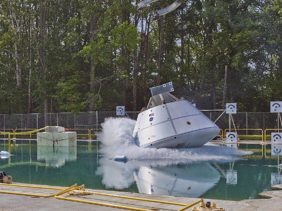 Video: The Next American Space Vehicle Gets Dunked