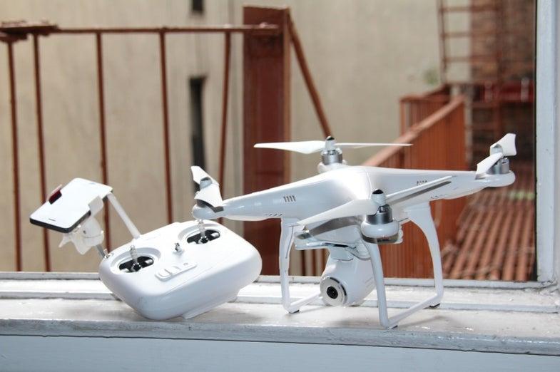 Reviewed: DJI Phantom 2 Vision Personal Drone