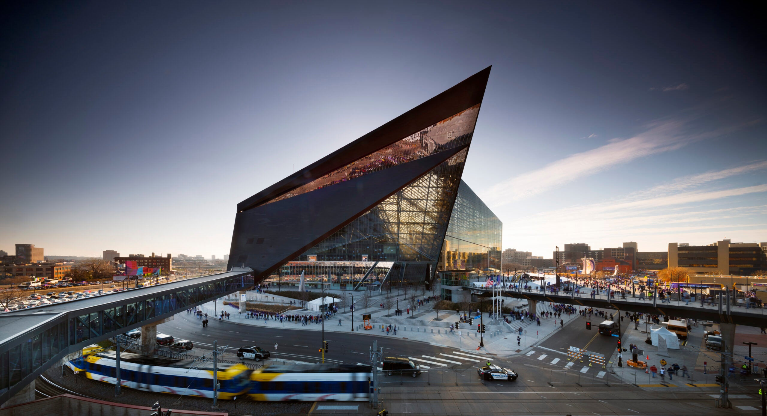 A look at the engineering and architecture in this year's Super Bowl stadium
