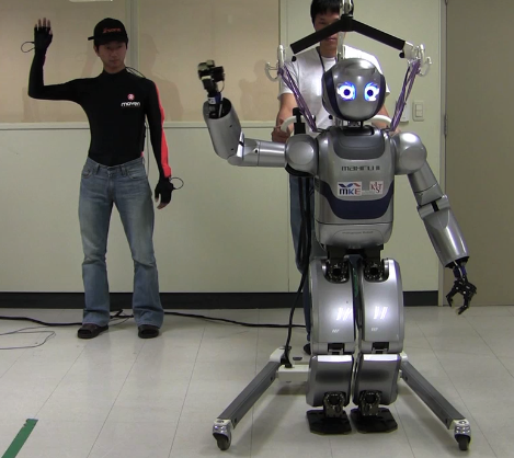 Korean Robot Imitates People's Movements in Real Time