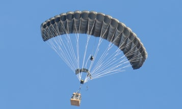 Smart Tech Paraglides Tons of Airdropped Cargo From High Altitudes to Meter-Sized Targets