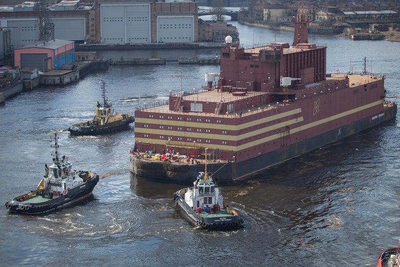 academik lomonosov at sea