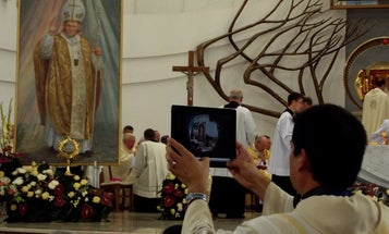 Church Leaders Give Blessing to Gadgets in the Pews