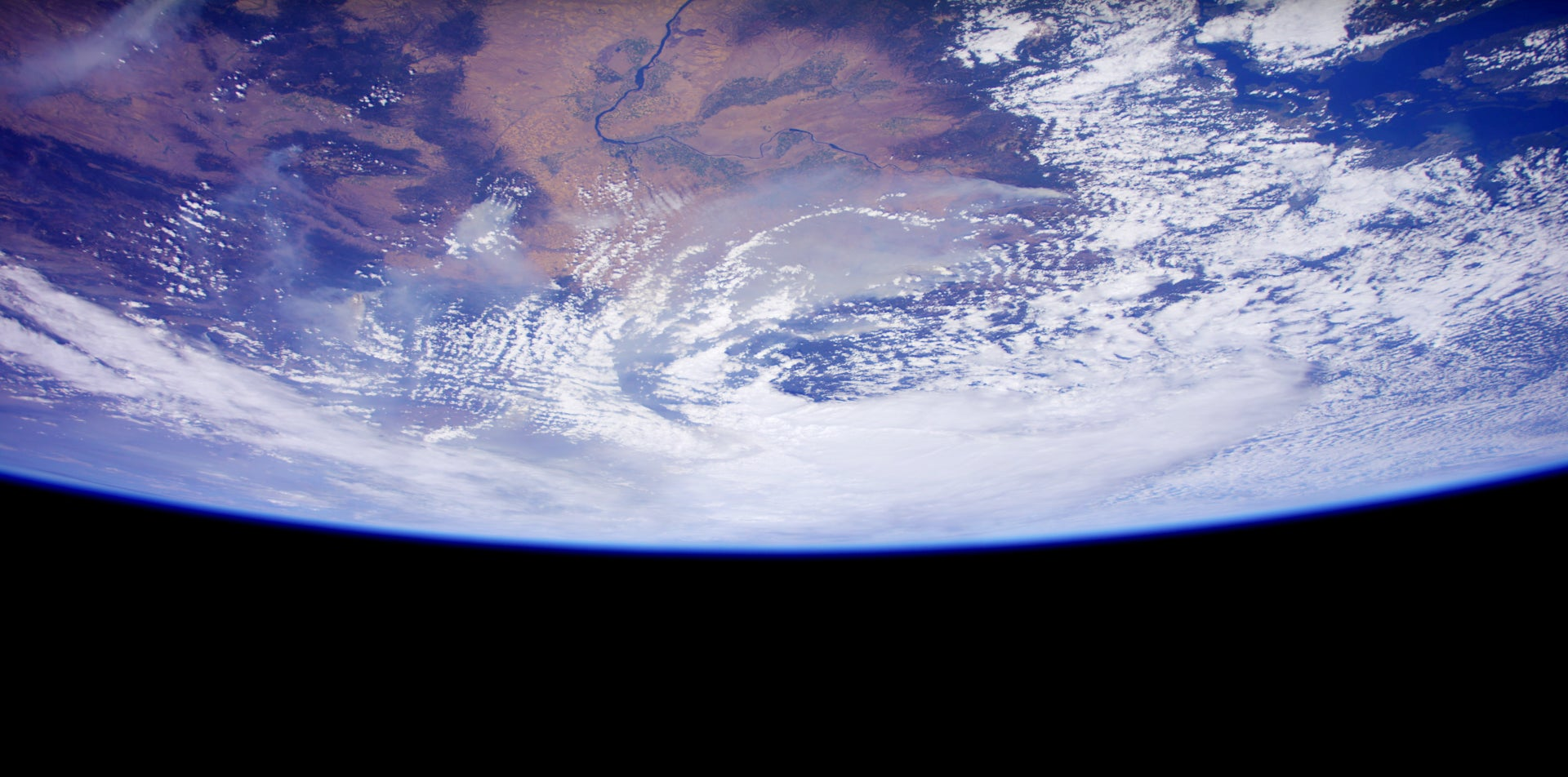 See The Earth In 4K From The Space Station