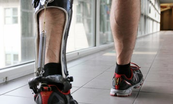 Lightweight Power Boot Makes You Walk More Efficiently