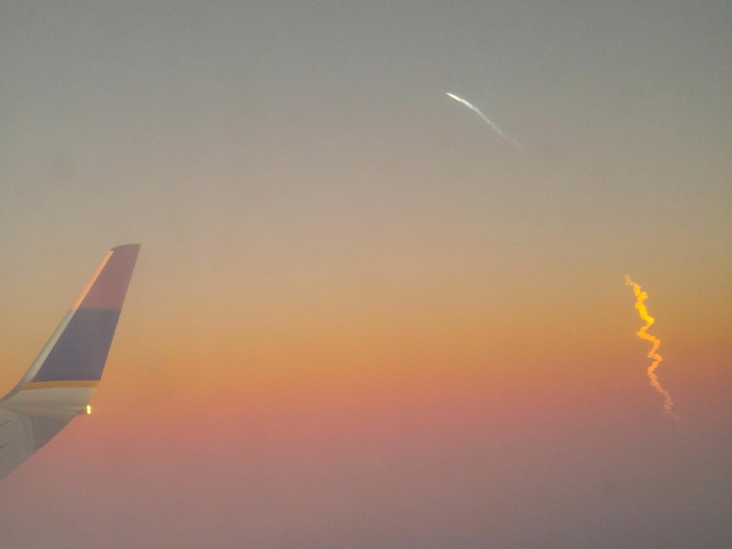This Is What Friday's SpaceX Launch Looked Like From An Airplane