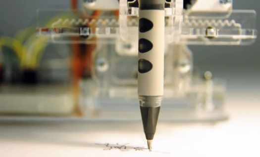 Video: Meet Piccolo, the Pocket-Sized CNC-Robot That Draws What You Design
