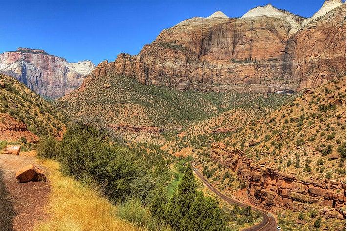 Utah Reopens National Parks, Government Shutdown Be Damned
