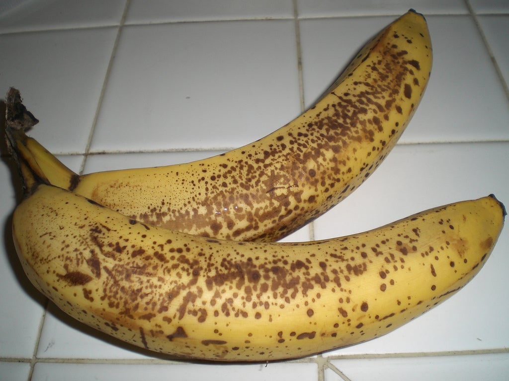 Keep Your Bananas Ripe by Spraying Them With Recycled Shrimp Shells