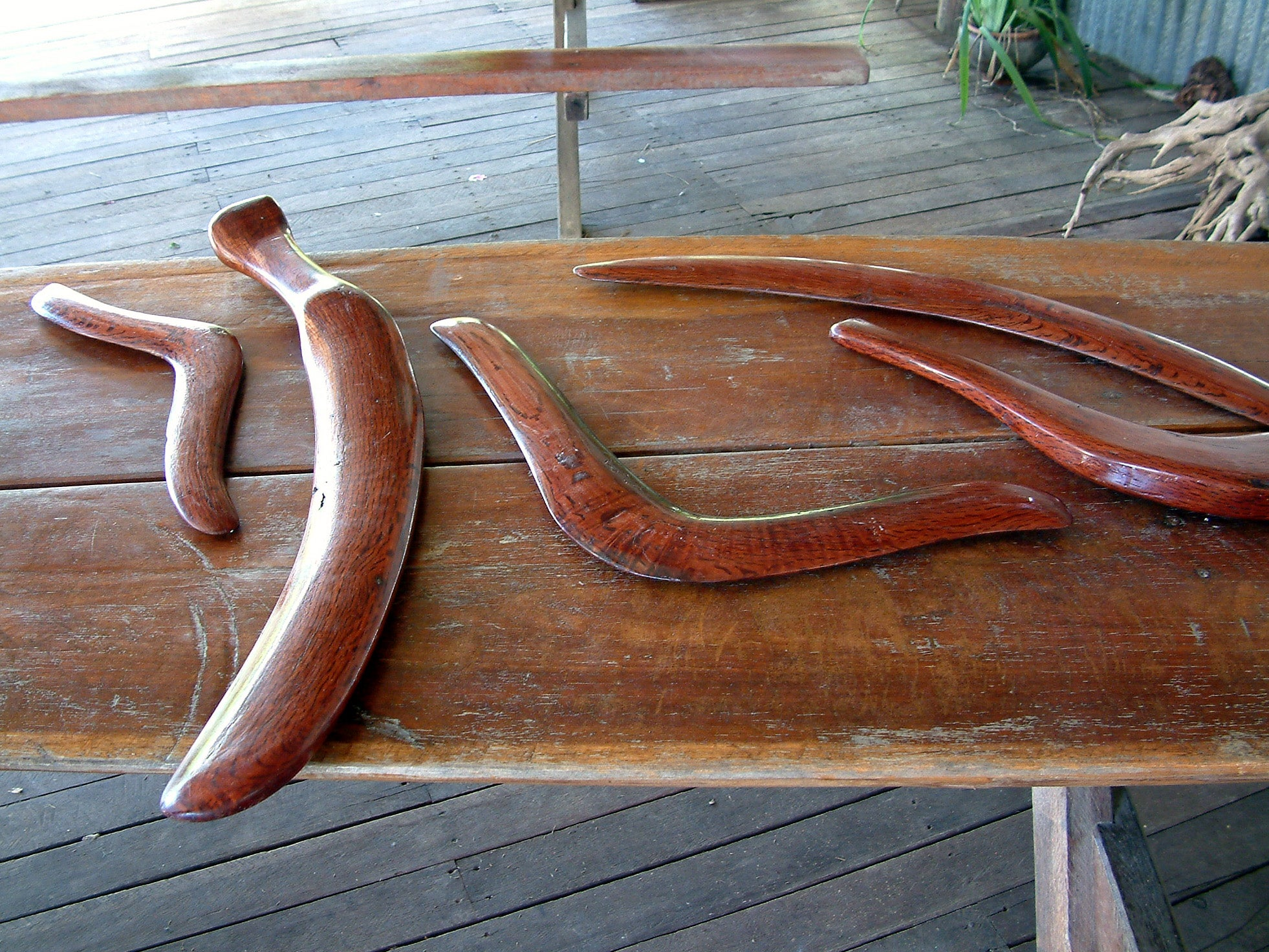 What Makes A Boomerang Come Back?