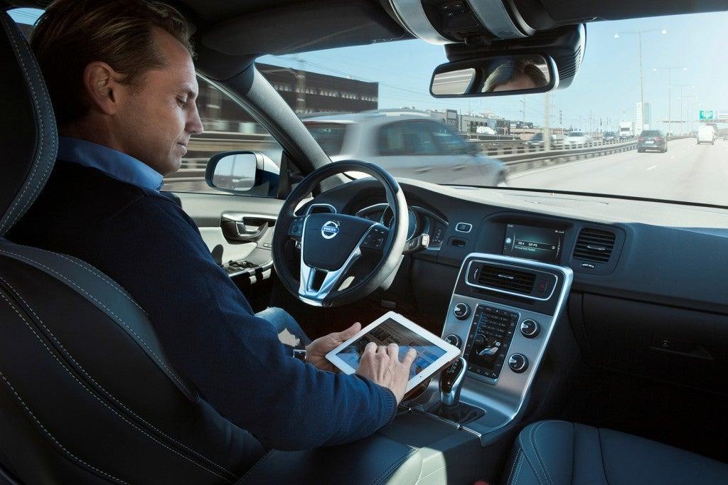 httpswww.popsci.comsitespopsci.comfilesimages201510volvo-drive-me-autonomous-car-pilot-project-in-gothenburg-sweden_100465413_l.jpg