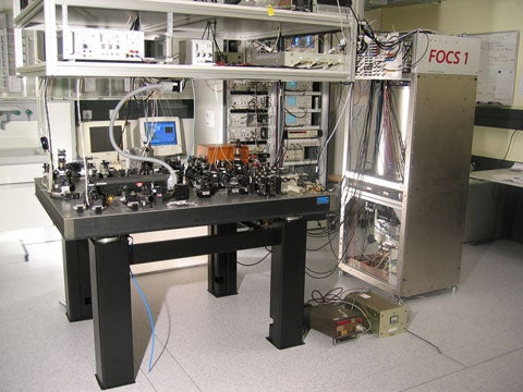 DARPA Wants Portable Atomic Clocks for Better Synchronicity