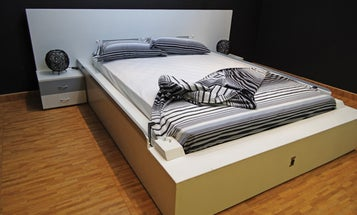 The Bed That Uses Robotic Arms to Make Itself
