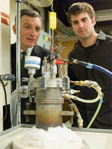 Molten Metal Batteries Yield 20 Times More Current Than Lithium-Ion