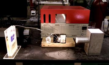 Artificial Leaf Scrubs Carbon, Makes Fuel