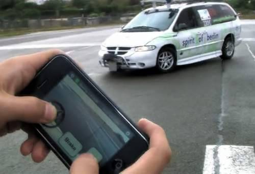 Video: iPhone App Remotely Drives a Chrysler Minivan