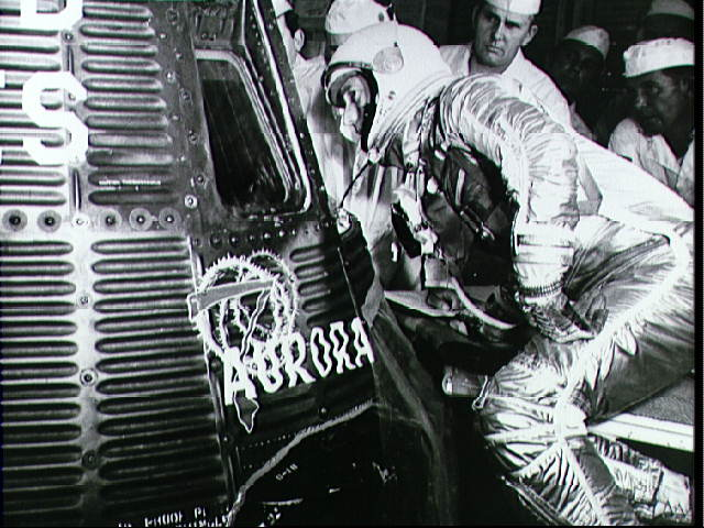 Scott Carpenter, The Second American To Orbit Earth, Dies At 88