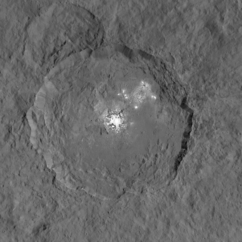 A closeup of the bright spots in Ceres' Occator crater