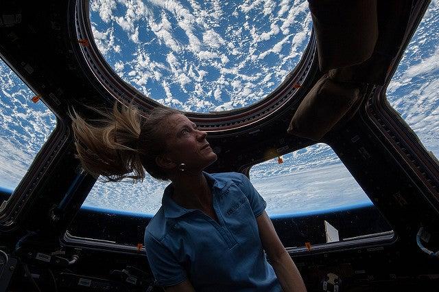 httpswww.popsci.comsitespopsci.comfilesimages201706karen_nyberg_enjoys_view_of_the_earth.jpg