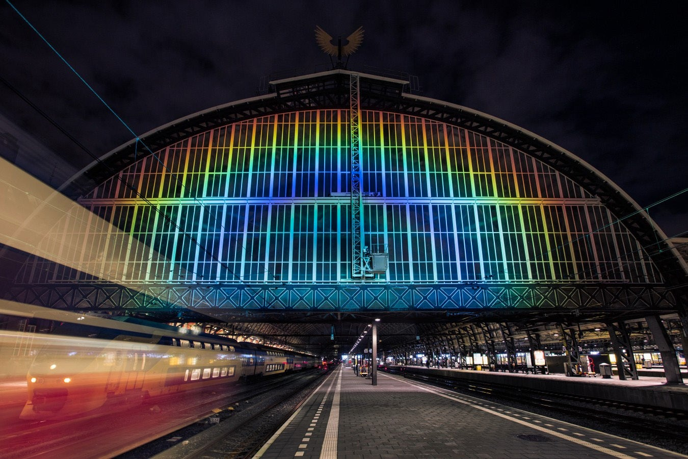 How To Turn 4,000 Watts Of White Light Into A 45-Meter-Wide Rainbow