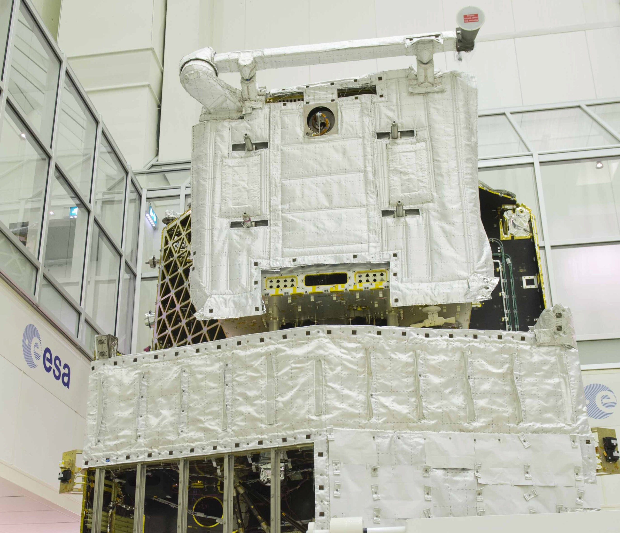 BigPic: A Model Of BepiColombo, The Spacecraft That'll Explore Mercury