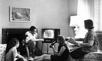Social Networking Promises a New Era of Watching TV with Friends