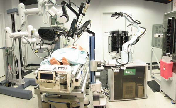 Robots Used In Long-Distance Surgery Can Easily Be Hacked