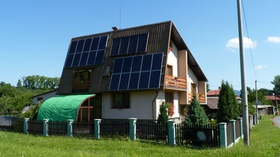 America's Rooftop Solar Panels Are Probably Facing The Wrong Direction