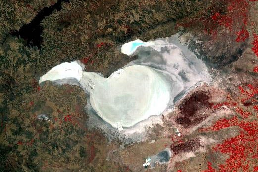 Researchers Gather at Shiny, Dry Salt Lake to White-Balance the Earth