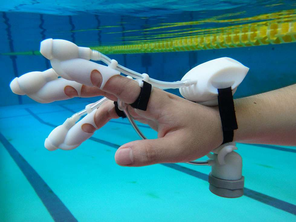 A Glove That Lets You Feel What's Far Below The Water