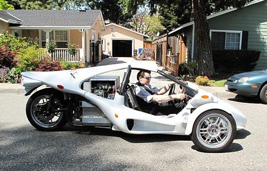 Three-Wheeled E. Rex, Three Times More Efficient Than Prius, Roars into Automotive X-Prize