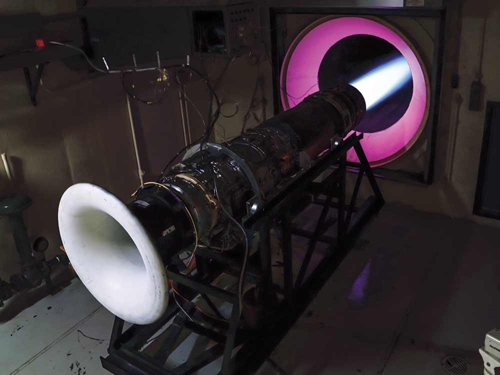 test-burning a GE J8515 plane engine