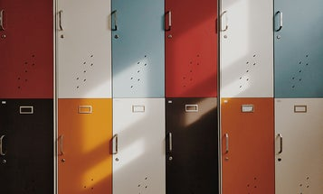 16 things you'll definitely want in your office locker