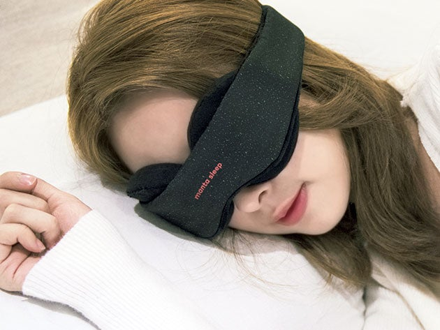 The Manta Blackout Mask puts your eyes in total darkness for a better sleep