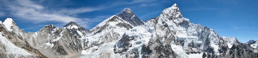 Everest mountain climbing deaths altitude sickness