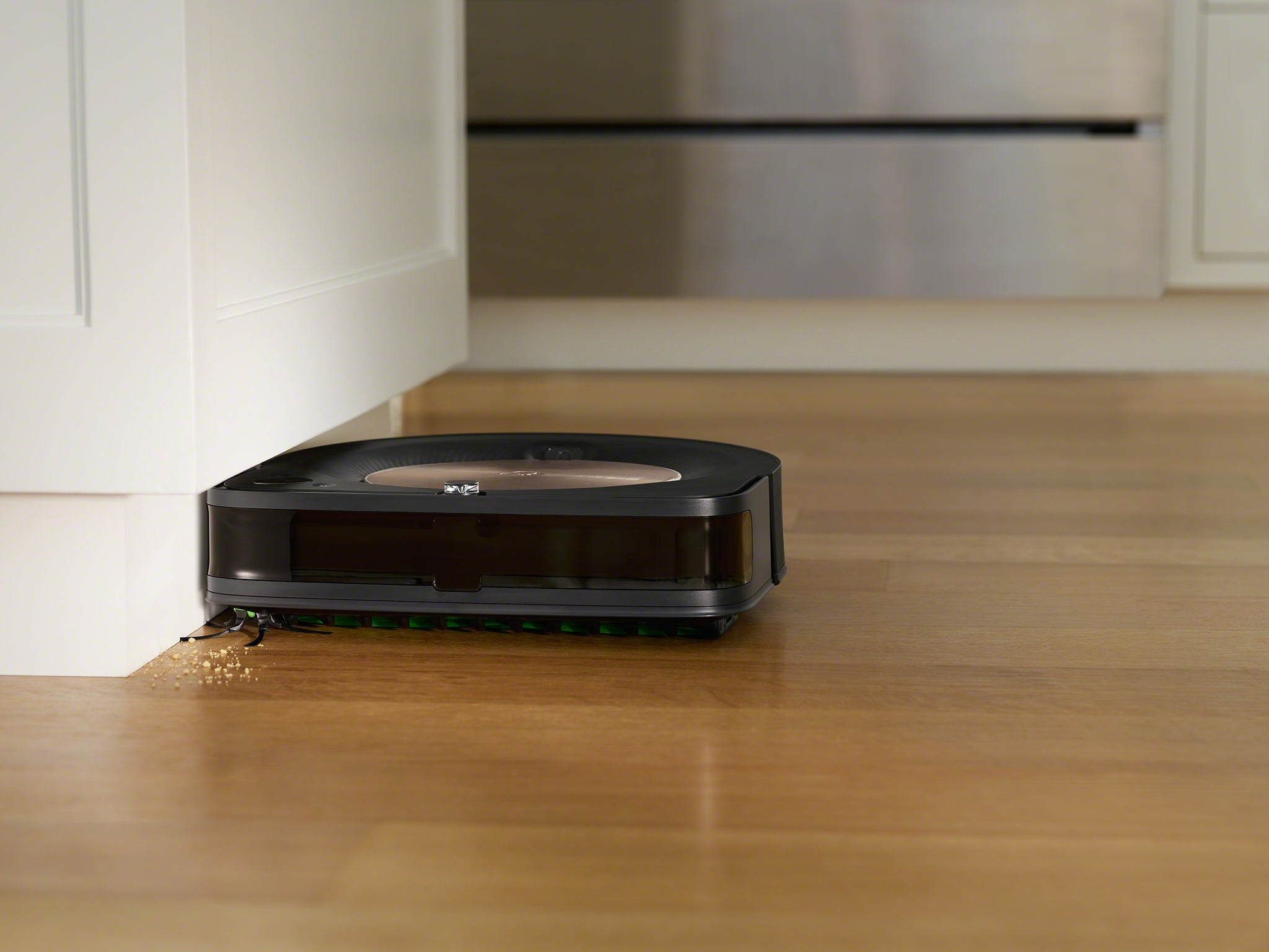 Roomba's new flagship robot is an expensive way to clean your home's corners