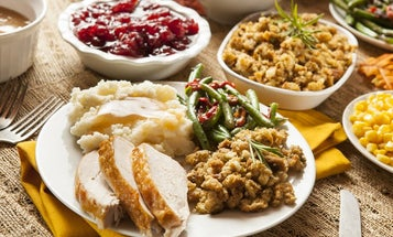 No, turkey doesn't make you sleepy