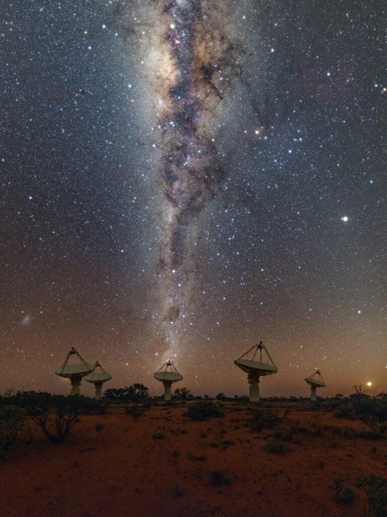 radio telescopes beneath the milky way