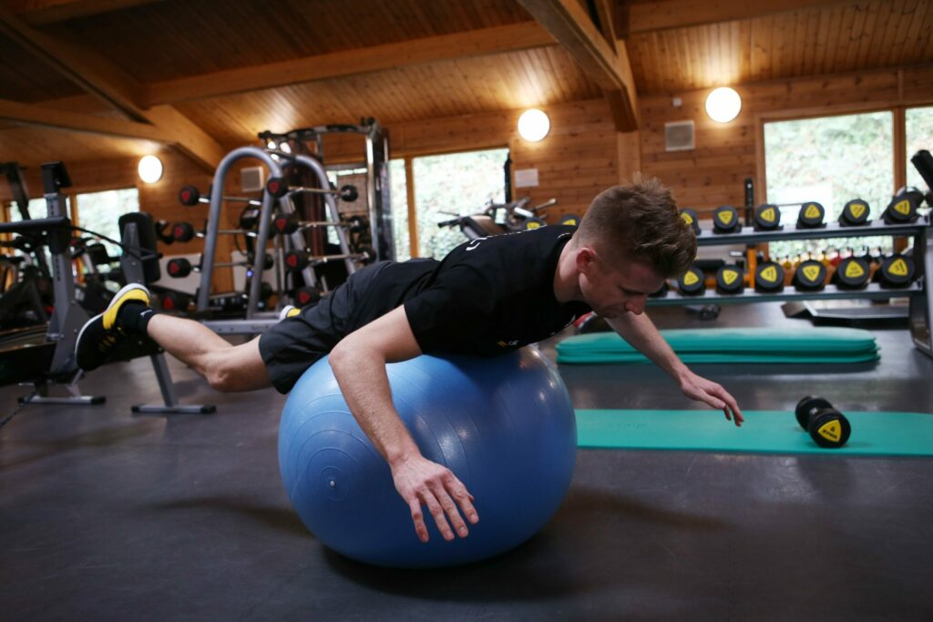 Nico Hulkenberg (GER) Renault Sport F1 Team - gym.