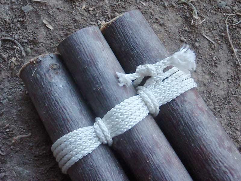tripod knots logs