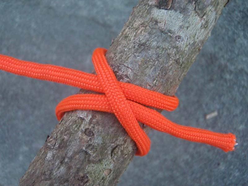 a clove hitch knot