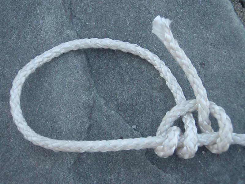 taut line hitch knot with white cord