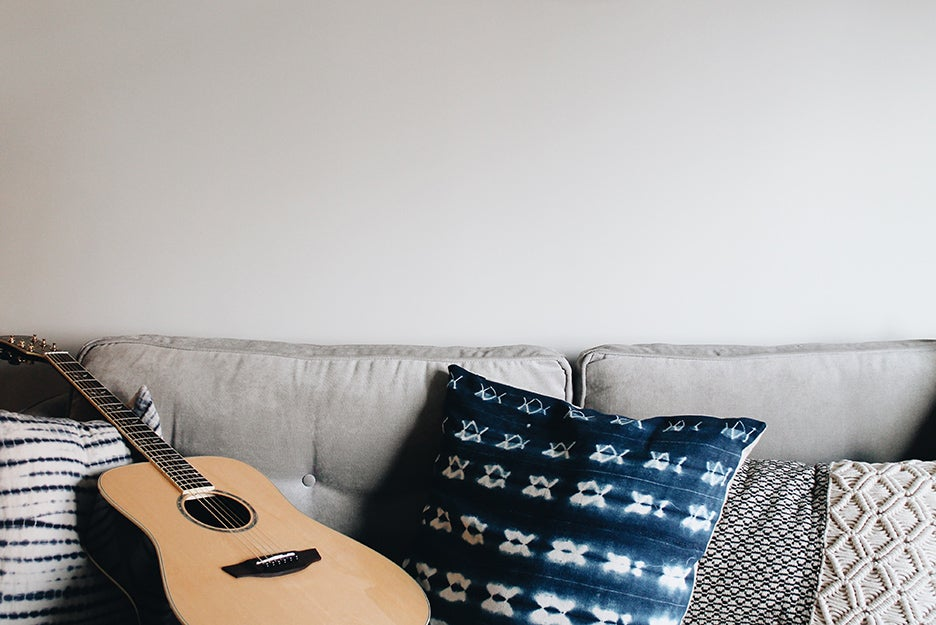 Simple solutions to soundproof your apartment
