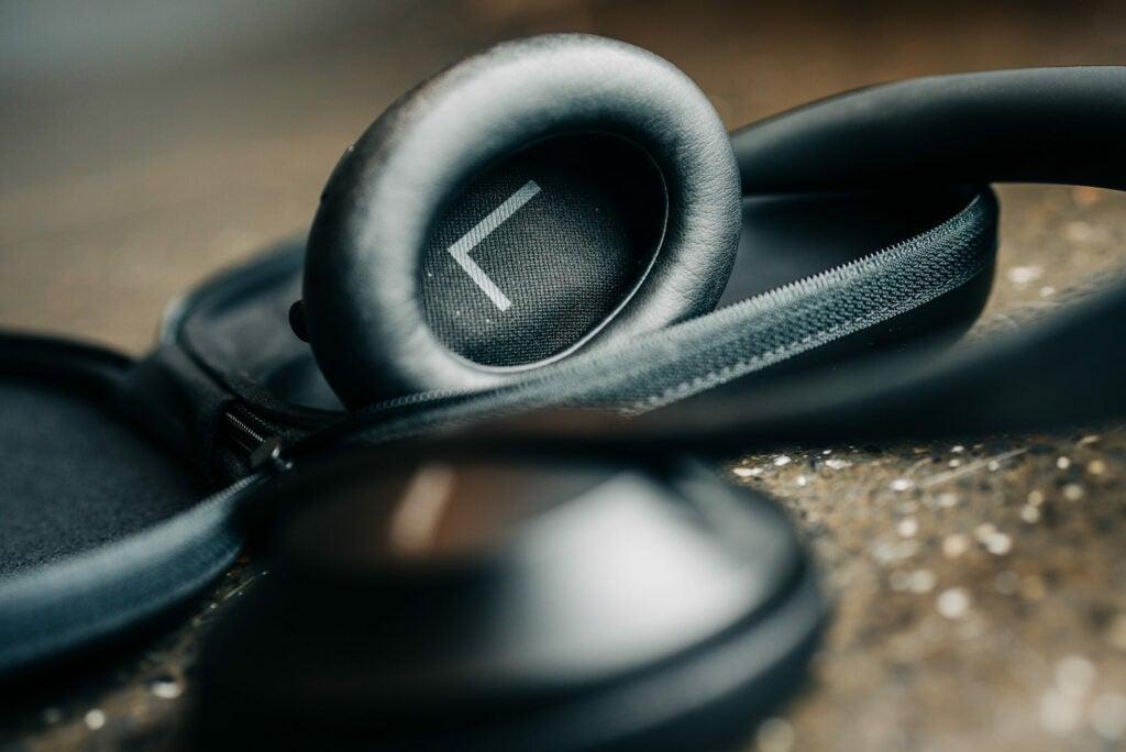 Bose noise cancelling headphones 700 inner ear
