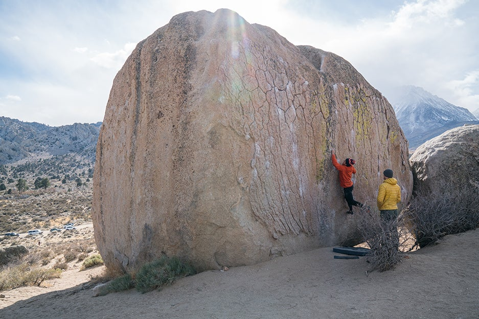 The best bouldering accessories for your first rock climbing trip