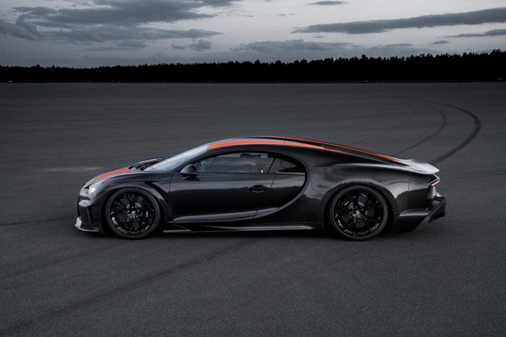 Bugatti Chiron 300 mile per hour car