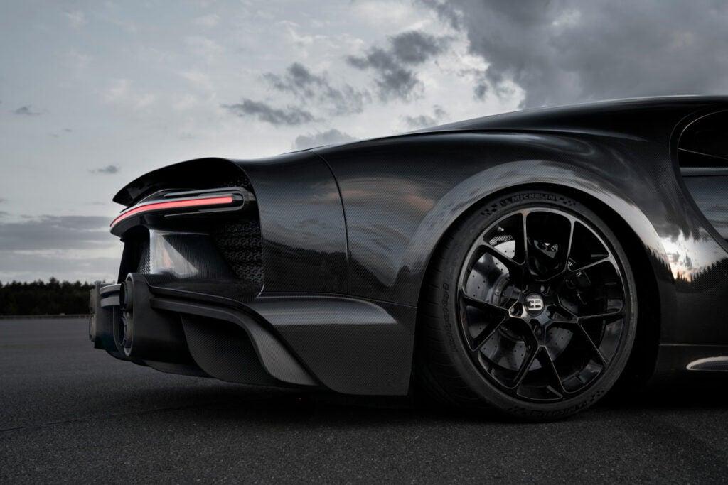 Bugatti Chiron tires