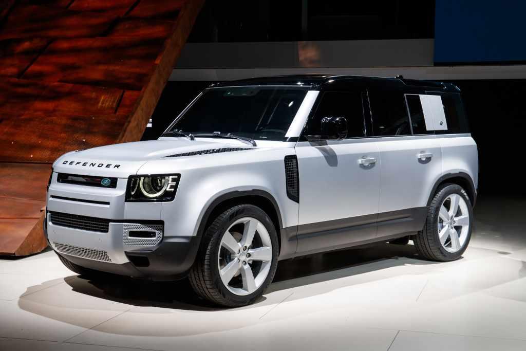 Land Rover Defender 3/4