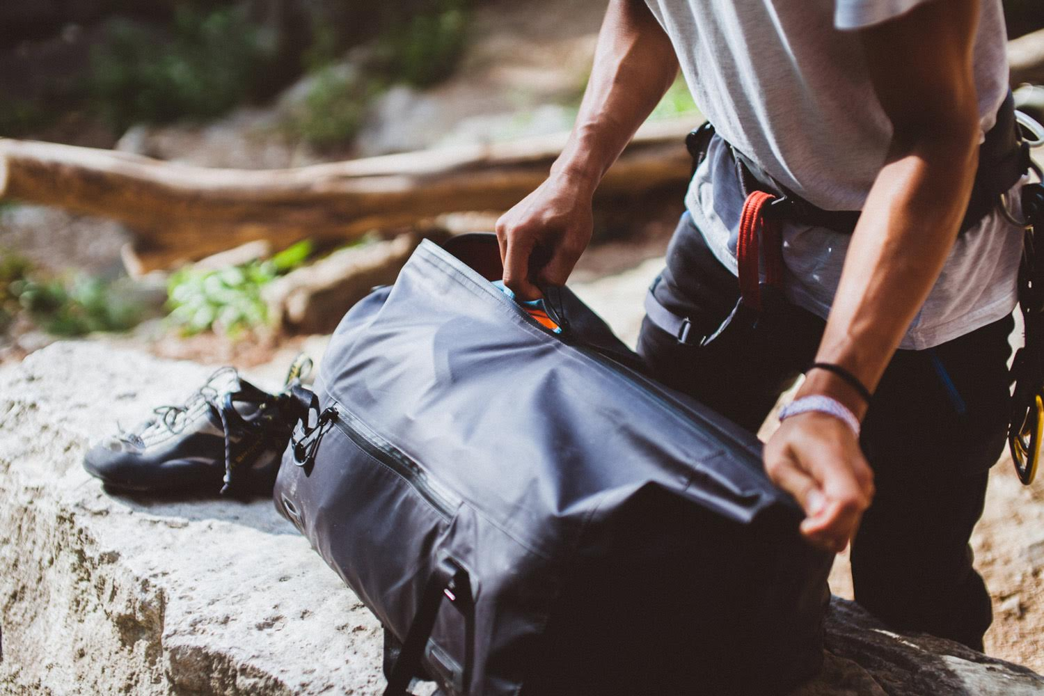 You may want to fund this backpack for camping and commuting