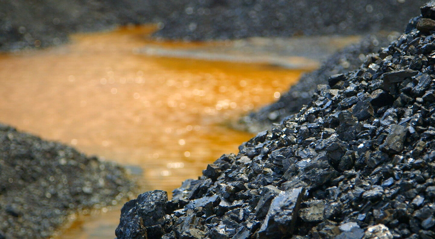 Three ways environmentally conscious countries can conquer the fossil fuel industry
